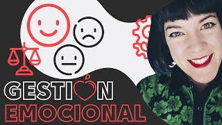Cómo DECONSTRUIR los CELOS 🌪 La gestión emocional en el POLIAMOR #1 - Noemí Casquet