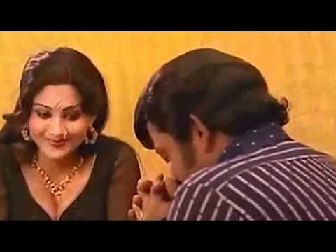Hot Malayalam Movie B-grade Scene - Hot Mallu Aunty Seducing