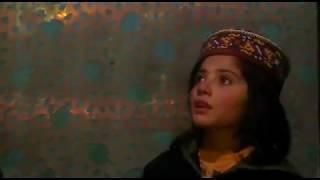 Wakhi girl (Sidra Badakshon) singing a Song