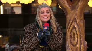 Lauren Alaina Performs on 2017 Macy's Thanksgiving Day Parade