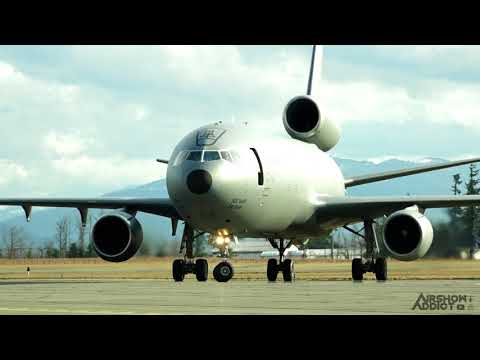 Xxx Mp4 Aircraft Arrivals Girls Fly Too At Abbotsford Airport YXX 3gp Sex