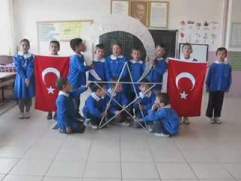Büyükfındık İ.O. 1 A Sınıfı 23 Nisan Bayrak Gösterisi Arif Nihat Asya Bayrak Şiiri