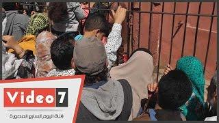 بالفيديو..6 أشخاص يتحرشون جسديا بـ11 سيدة فى زحام شم النسيم بحديقة الحيوان