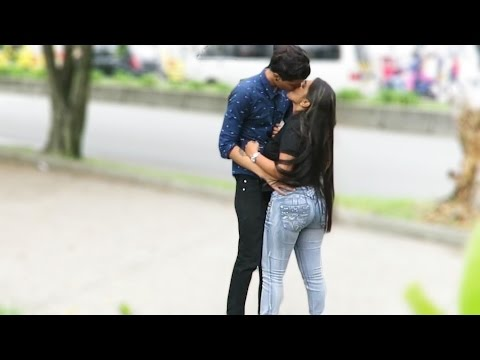 BESOS FACILES ♥ KISSING PRANK - Colombianas Sexys (Termina Sexual)