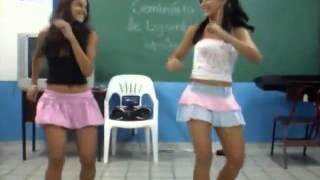 Novinha dançando funk(4)
