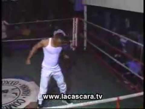 Boxeador Madreado por Presumido