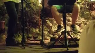 Kenzie Playing Oasis In M&M Rock Bar Dalyan  With Onur #kenzieguitar @kenzieguitar