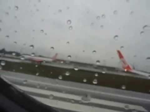 Decolagem avião da Gol Curitiba CWB para Londrina LDB na chuva.