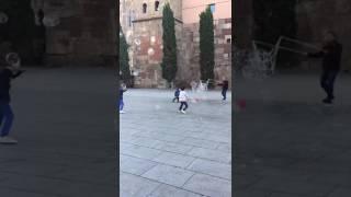 Fail video! Kid slipping - FUNNY!