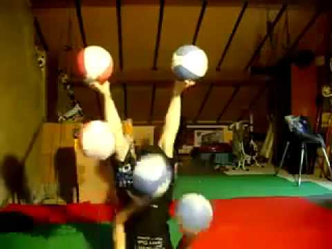 Amazing juggling skills   MUST WATCH