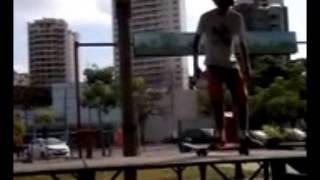 Pulando lugares altos - Caindo com tudo! Skate