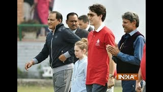 Canada Prime Minister Justin Trudeau plays cricket with Kapil Dev, Mohammad Azharuddin