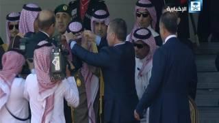 ملك الأردن يقلد خادم الحرمين الشريفين قلادة الحسين بن علي وهي أرفع وسام أردني