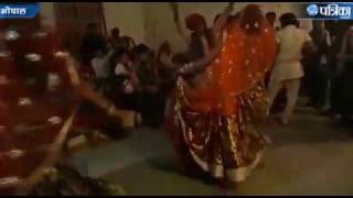 Amazing Rai dance performance in a Marriage Party at Bhopal Madhya Pradesh