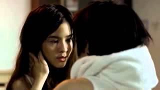 Lesbian kiss (3)