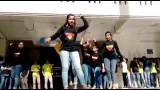 video bhojpuri  girl dance in program collage girls dance in bhojpuri song