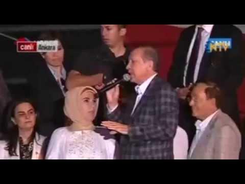 Başbakan Recep Tayyip Erdoğan Emine Erdoğan ı Azarlıyor