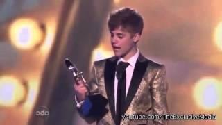justin bieber kisses selena gomez teen choice awards