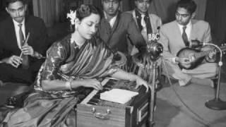 Geeta Dutt , Lata : Chhak chhak chali hamari rail re : Film - Naach (1949)
