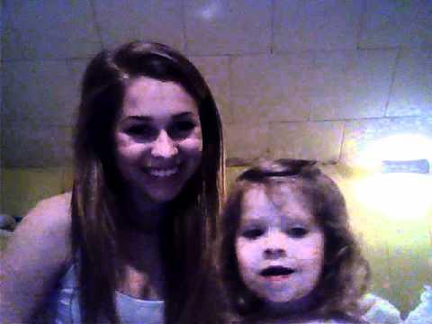 Isabella singing tootie bathtub baby cousins song Sooo cute