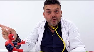 Hombre Araña va al Doctor Pep. Superheroes español