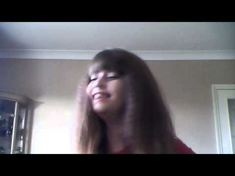 maisie trying to sing seriously !!!!!!!!!!!! p.s thats not my real voice!!!xxxx