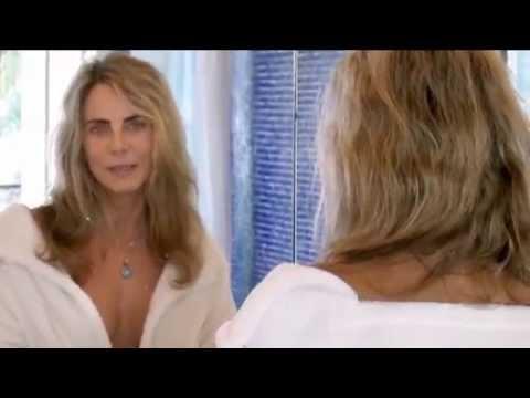 Bruna Lombardi toma banho contra o desperdício