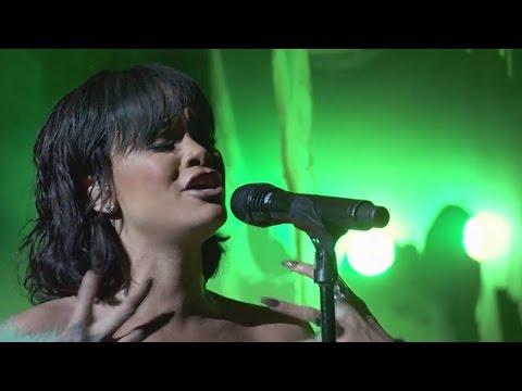 Rihanna - Love On The Brain (Live at Billboard Music Awards 2016) HD