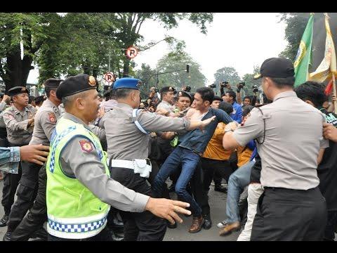 Xxx Mp4 Mahasiswa VS Polisi Bandung Demo Di DPRD Jawa Barat 3gp Sex