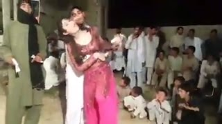Aarzo ka sexy dance with khan in pakistan wedding hot desi mujra 2017
