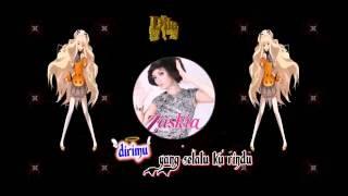 Zaskia Gotik ___ Tarik Selimut (lyrics)