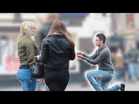 Xxx Mp4 VEUX TU COUCHER AVEC MOI Caméra Cachée ASKING GIRLS FOR SEX IN AMSTERDAM 3gp Sex