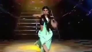 Mouni royy osm dance video
