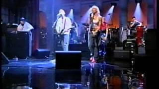 Moby and Gwen Stefani w Gavin Southside on Letterman Nov 2000