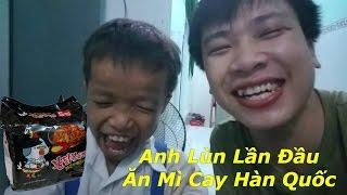 Anh Lùn VS Tiến Xinh Trai Solo Ăn Mì Cay !!!!
