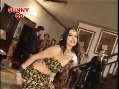 Pakistani dance in a party in Lahore Song is Magroor Laila by Naghmana Jaffry