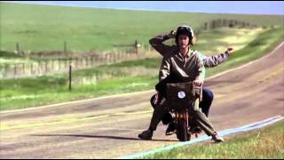 Dos tontos muy tontos, escena de la minimoto