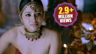 Yuganiki Okkadu Scene - Anitha Tries To Seduce And Convince The Chola King - Reema Sen