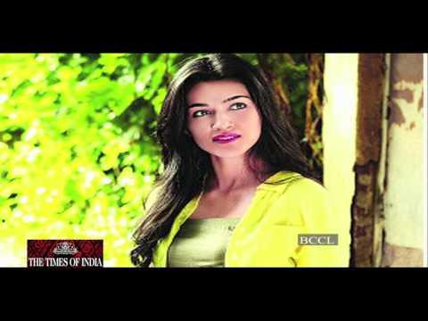 Kriti Sanon spends Diwali at home - TOI