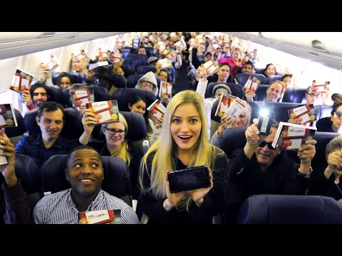 Gave out 143 New Nintendo 3DS XL systems to everyone on this plane iJustine