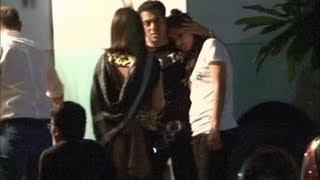 Katrina Kaif seen taking comfort on Salman Khan's shoulder | RARE UNSEEN VIDEO.