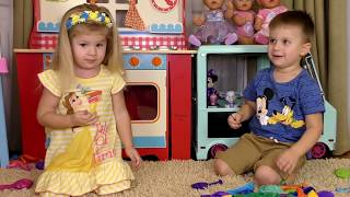 Learn colors with Balloons Finger Family song Kids playing and learning colors for children