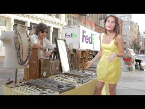 Download Lagu Cinta Laura Kiehl Shopping & Eating Around New York City - Indonesian Version MP3