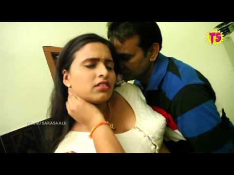 UNSATISFIED HOUSE WIFE ROMANCE WITH CARPENTER WHEN HUSBEND IN BATH ROOM IN GUNTUR