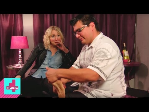 Xxx Mp4 Nikki Goes To A Foot Fetish Party Not Safe With Nikki Glaser 3gp Sex