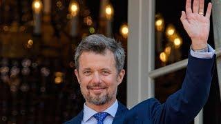 Kronprins Frederik blev modtaget af et kollektivt jubelbrøl fra Amalienborg Slotsplads