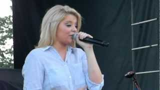 Lauren Alaina - I Don't Want To Miss A Thing