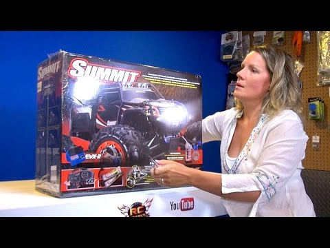Xxx Mp4 RC ADVENTURES Jem Unboxes Her Traxxas Summit 4x4 Electric Radio Control Truck 3gp Sex
