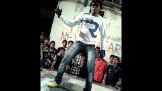 Robat dance from boudy boyzz Atul(angryrobo)