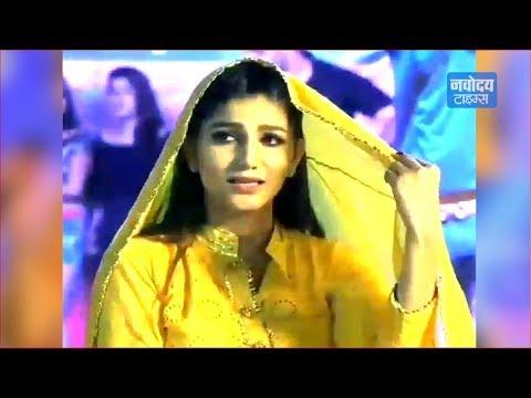 Xxx Mp4 Sapna Chaudhary ने एक बार फिर अपने Dance से मचाया धमाल Video Viral 3gp Sex